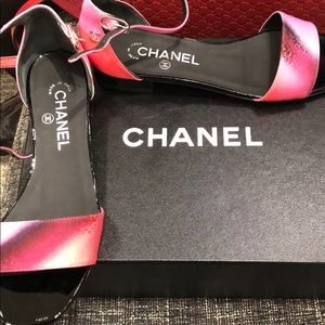 Chanel printed open shoes